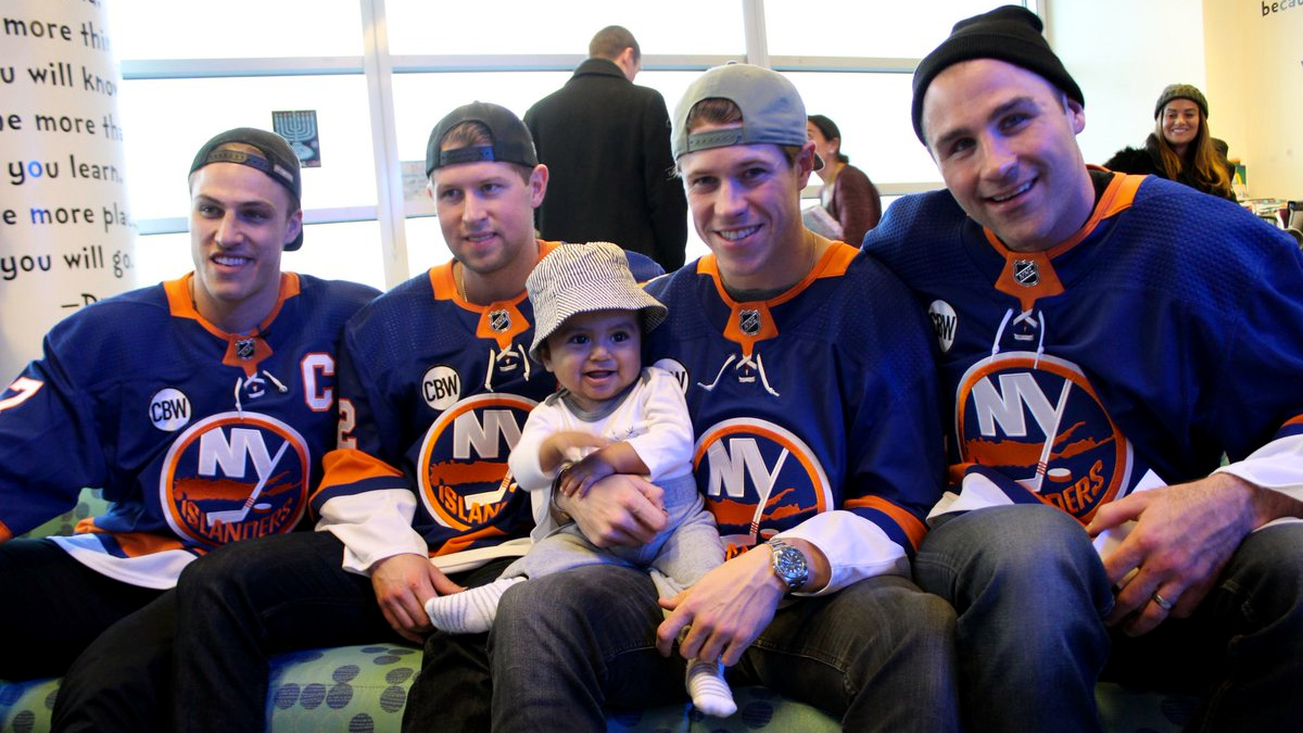 New York Islanders visit children at Long Island hospitals