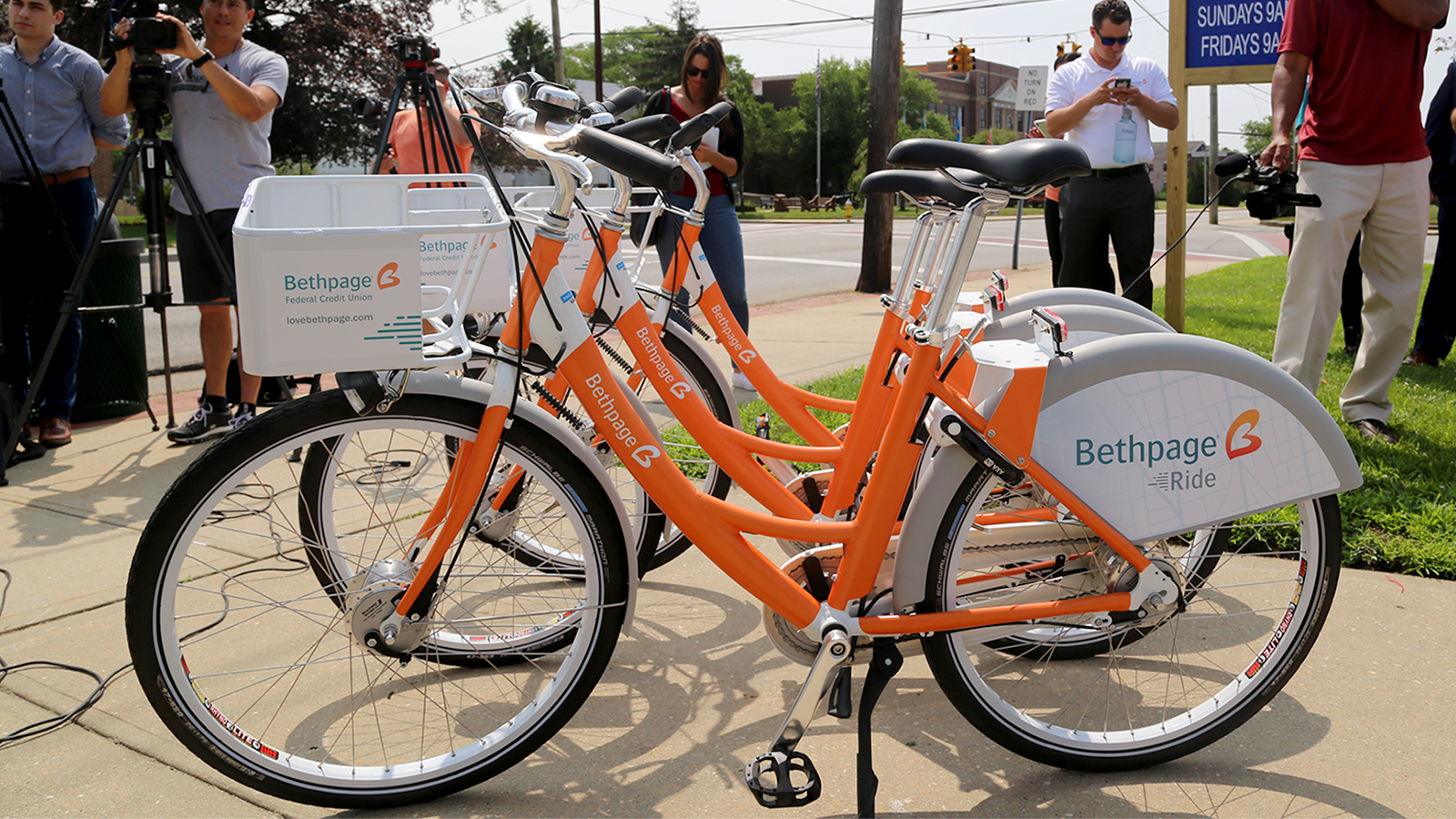 Suffolk County and Bethpage Federal announce bike share program