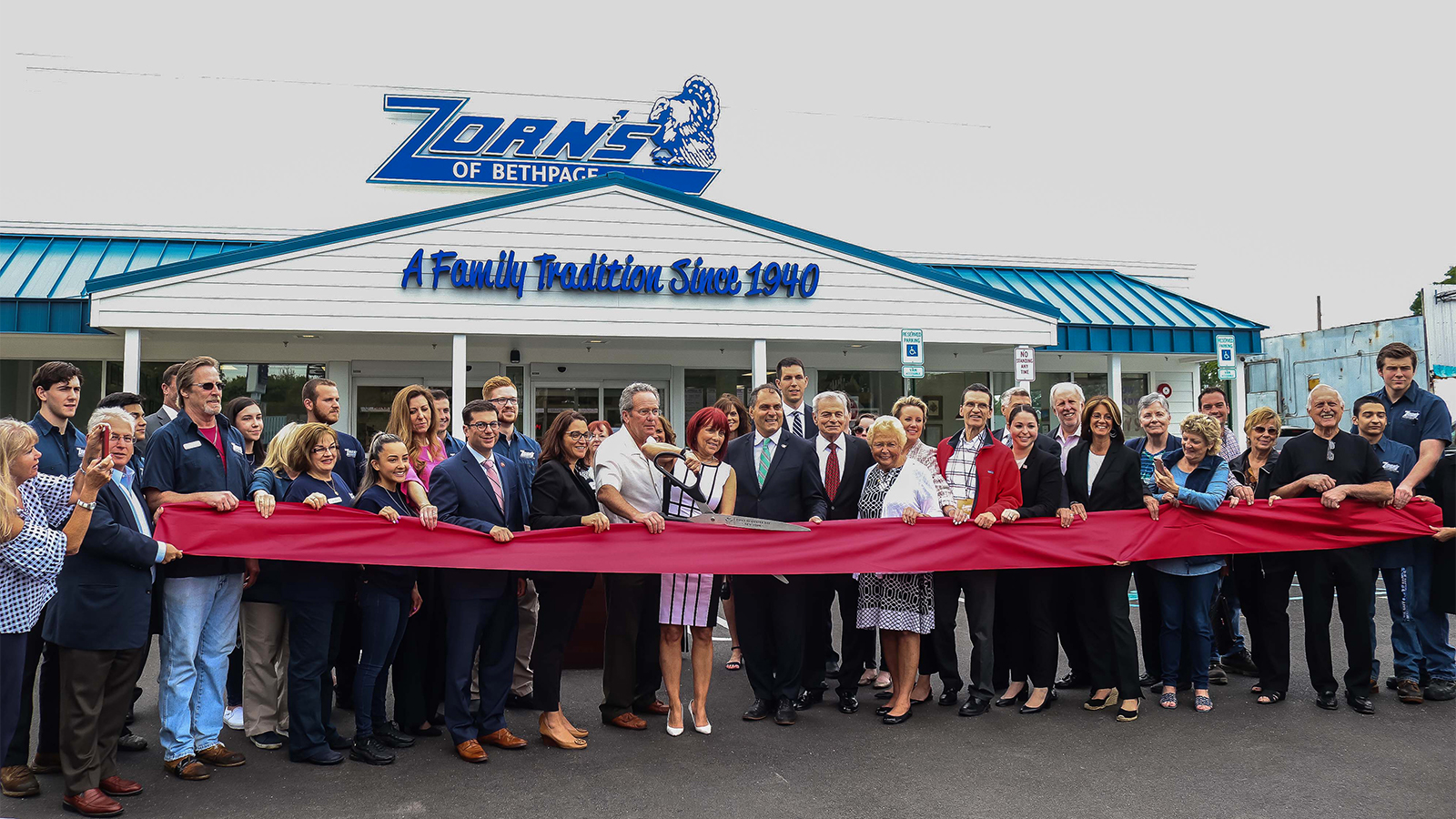 Zorn's of Bethpage celebrates expansion to larger space