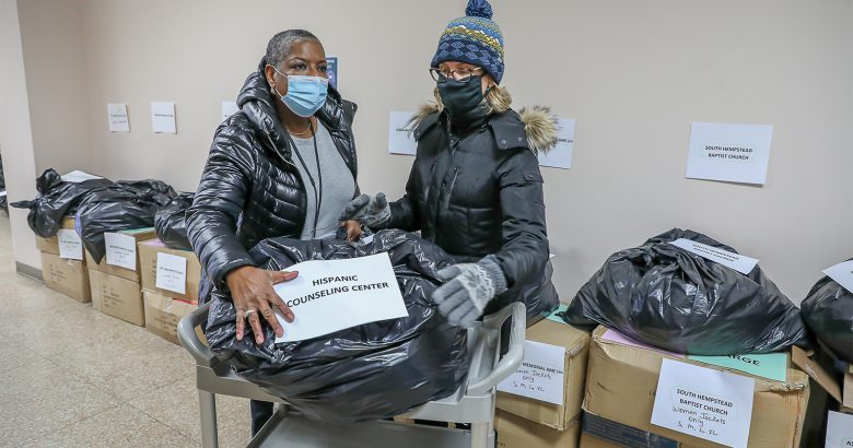 Nassau County gives out 200 boxes of winter clothing