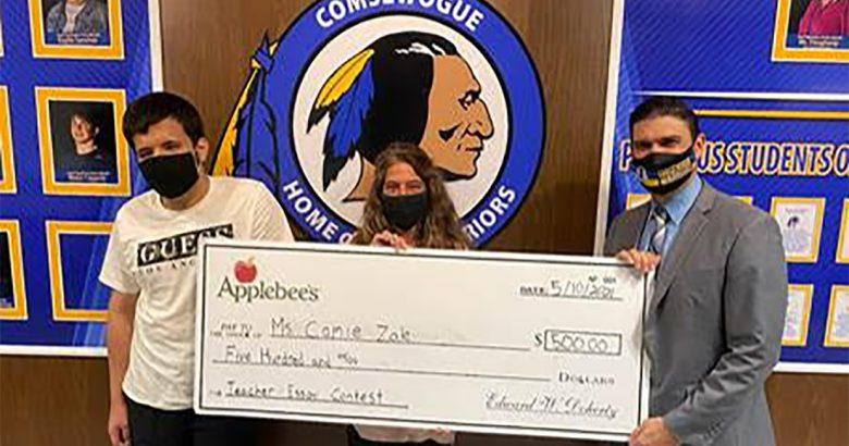 Teachers honored in Applebee's essay contest